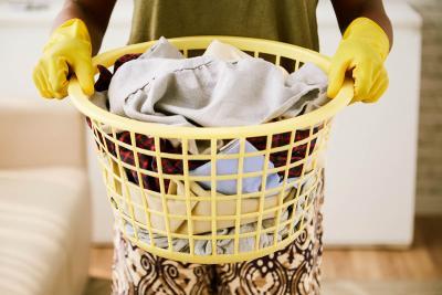 Кош с дрехи за пране